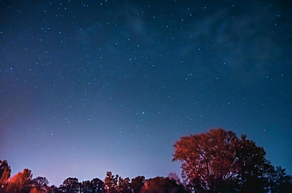 night sky by dubleman