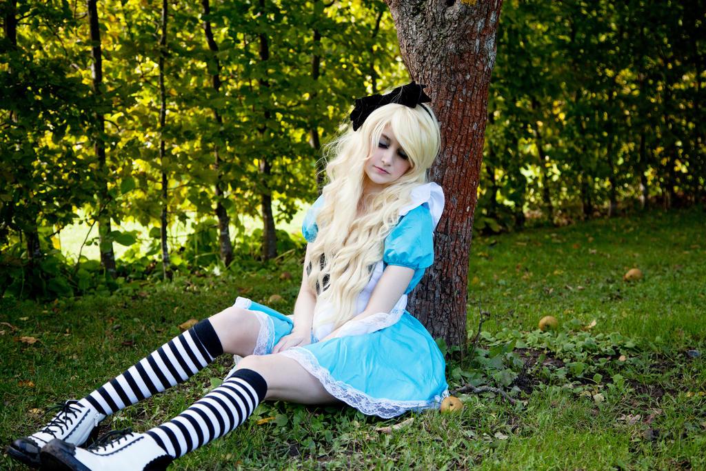 Going into Wonderland by SaicaChii