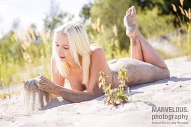 Elly in the sand by larrymarvelous by larrymarvelous