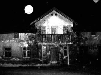 + art.romanian house +