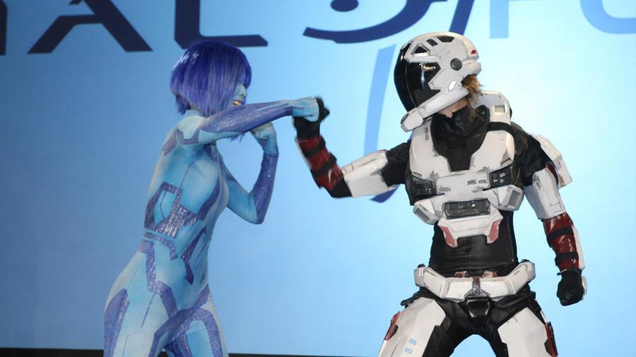 PAX - Cortana VS Spartan by Hyokenseisou-Cosplay