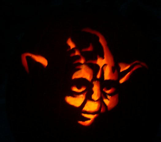Yoda Pumpkin Carving by hawkke
