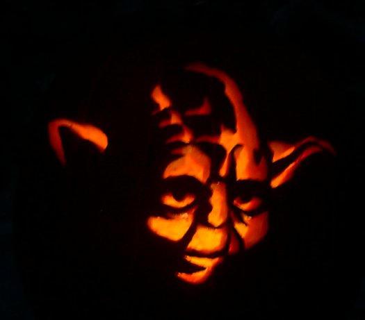 Yoda Pumpkin Carving by hawkke