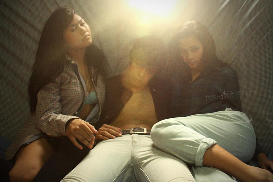 Threesome by tutsangkulot - Avatar Bulmaca