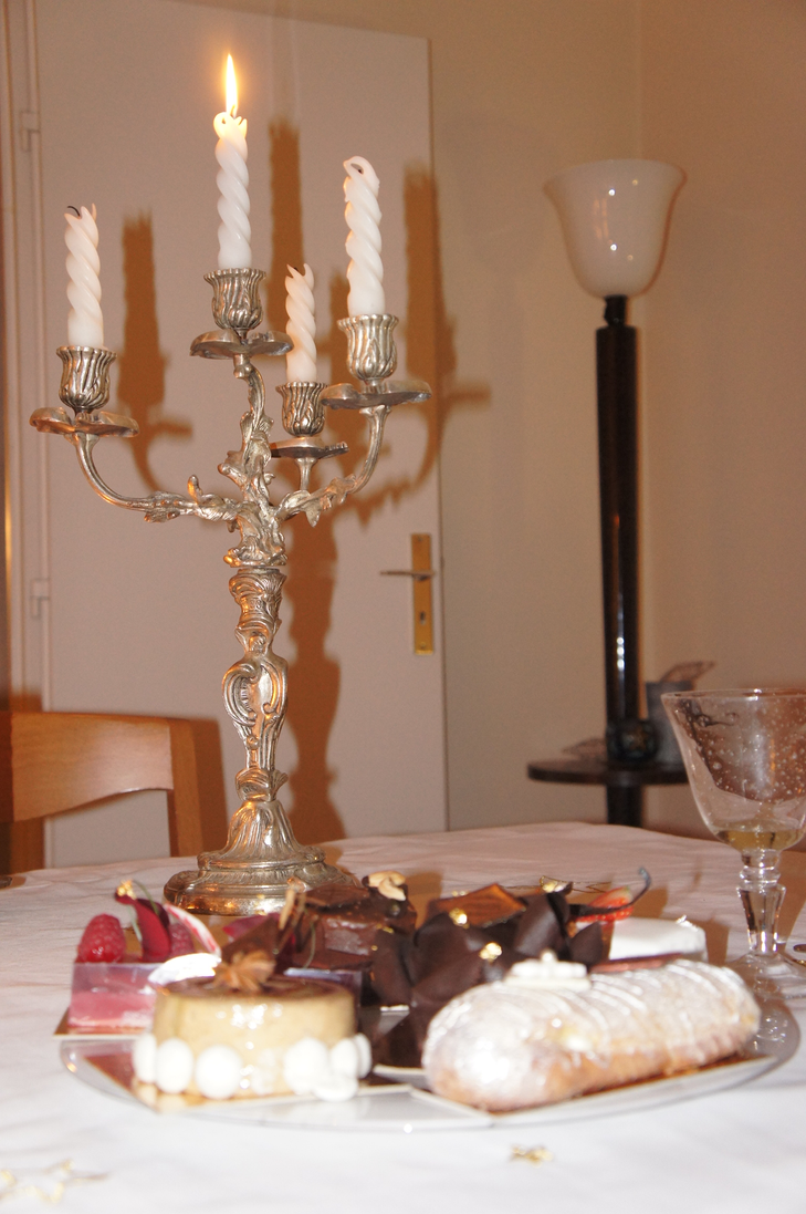 plateau de desserts de noel by zefrenchm on deviantart. Black Bedroom Furniture Sets. Home Design Ideas