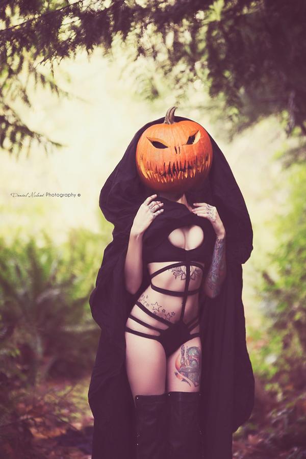 DMp - pumpkin princess by LEGENDofLMPF