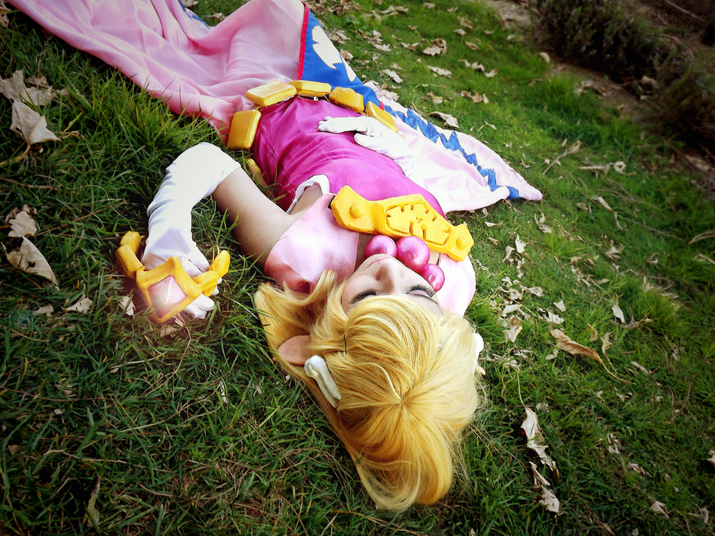 [LoZ: Wind Waker] Princess Zelda by Lady-aka-Mikuru