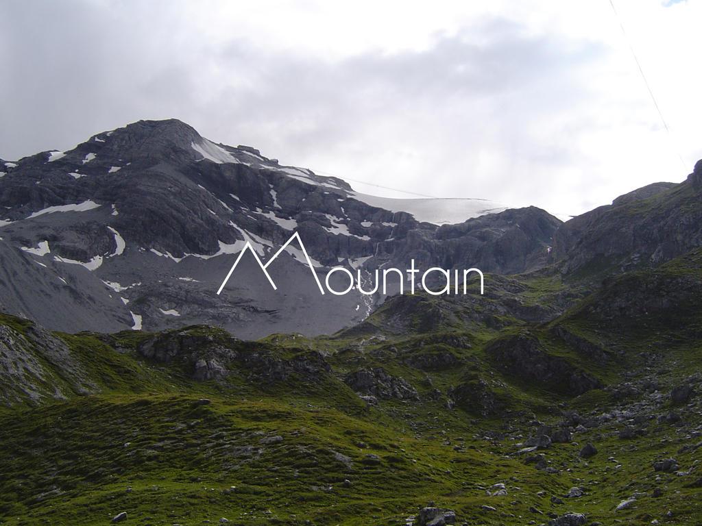 Mountain by mustbepositivee