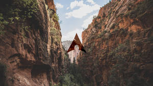 Cliff canyon gorge - ArchLinux wallpaper