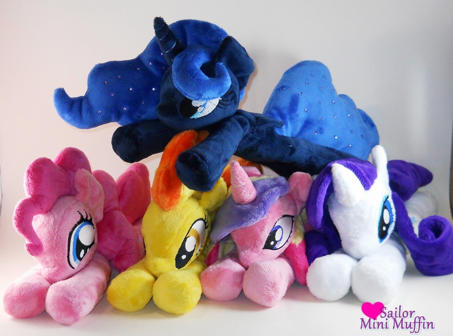 Cuddle Plush Group! by SailorMiniMuffin