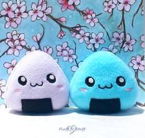 Onigiri Plushies by SailorMiniMuffin