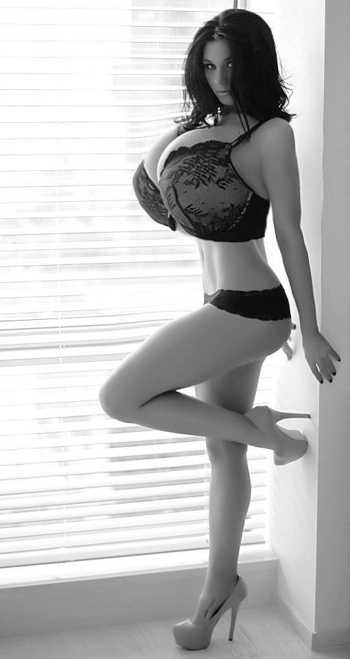Porn photos of singer natali