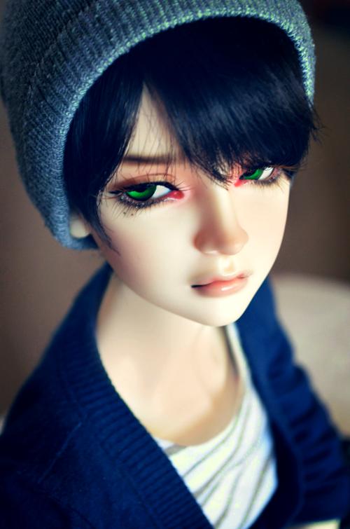 Green Eyes by Yuki-Arisu