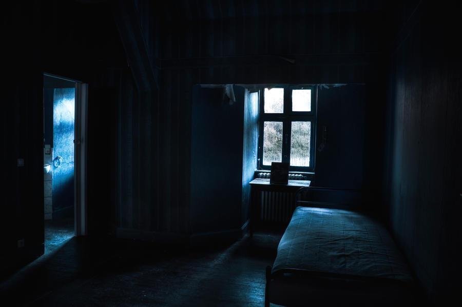 Subdued atmosphere by Bestarns