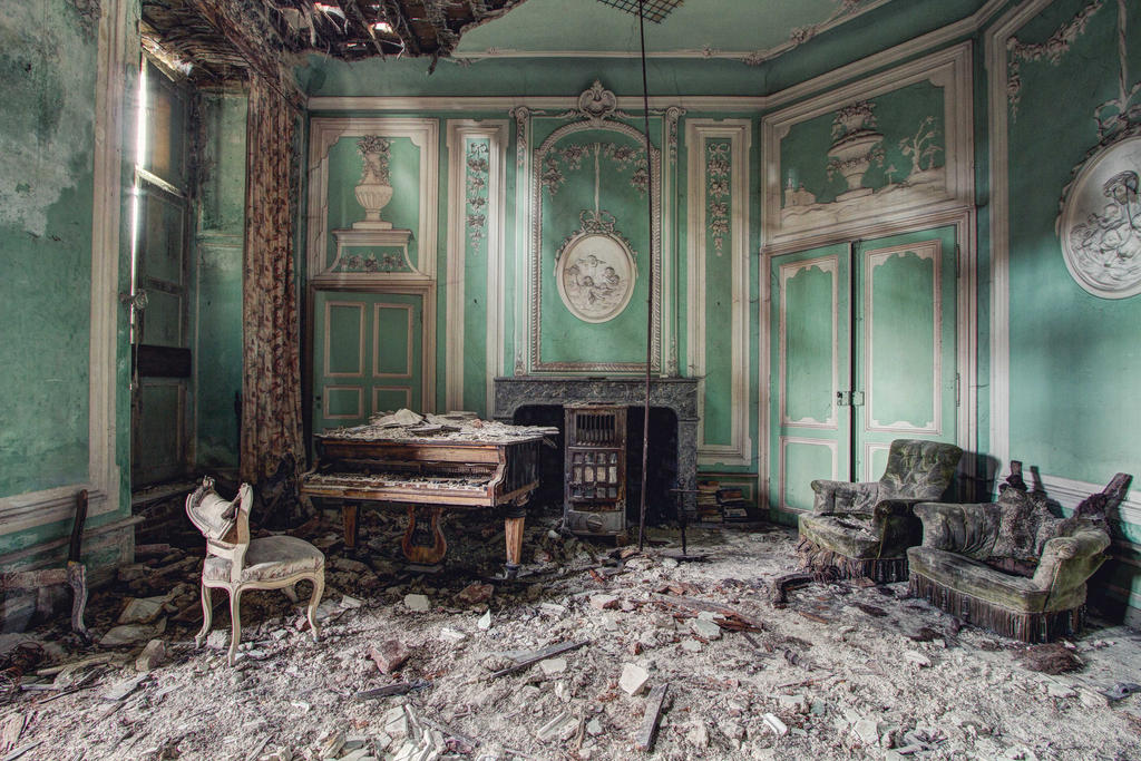 Chateau R : Lost piano by Bestarns