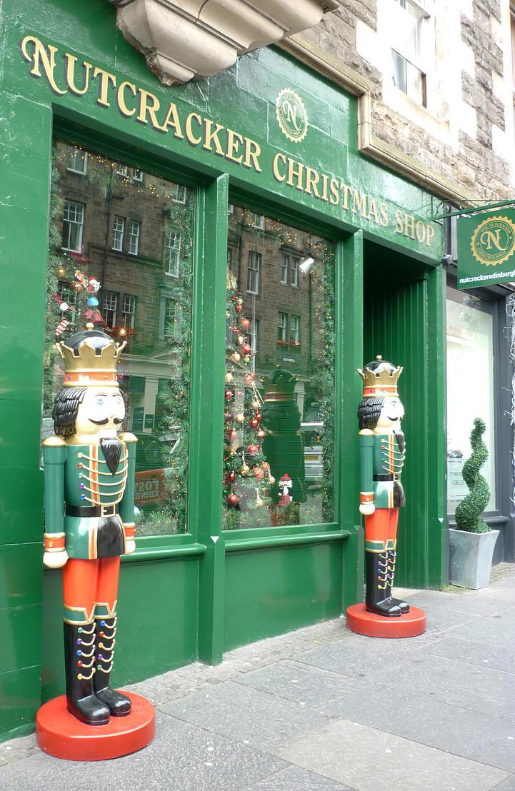 Christmas Shop Edinburgh by GerdElise