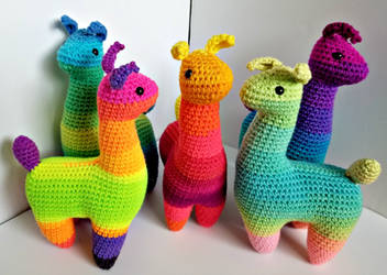 Amigurumi Rainbow Llamas by augeeklectic