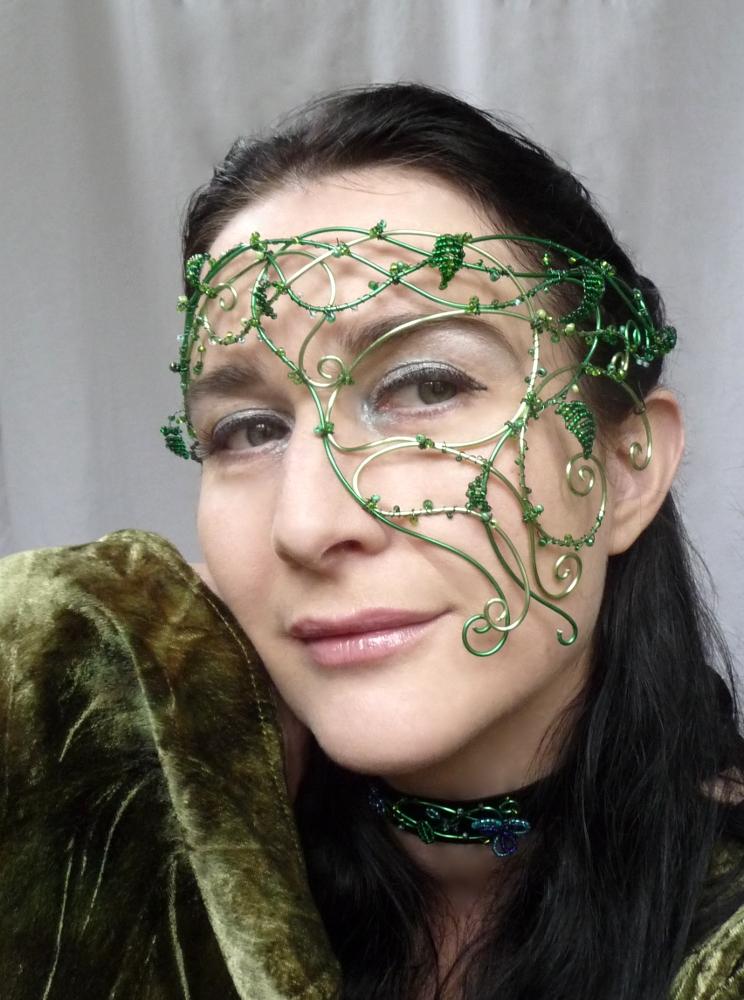 Vine half mask by gringrimaceandsqueak
