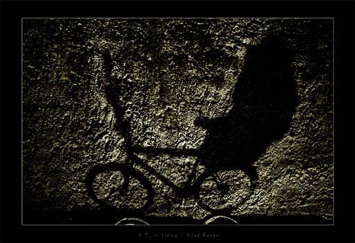 E.T. in hiding