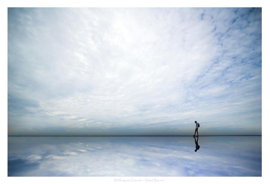 """Obrázek """"http://fc01.deviantart.com/fs12/i/2006/316/7/e/Walking_on_Clouds_by_gilad.jpg"""" nelze zobrazit, protože obsahuje chyby."""