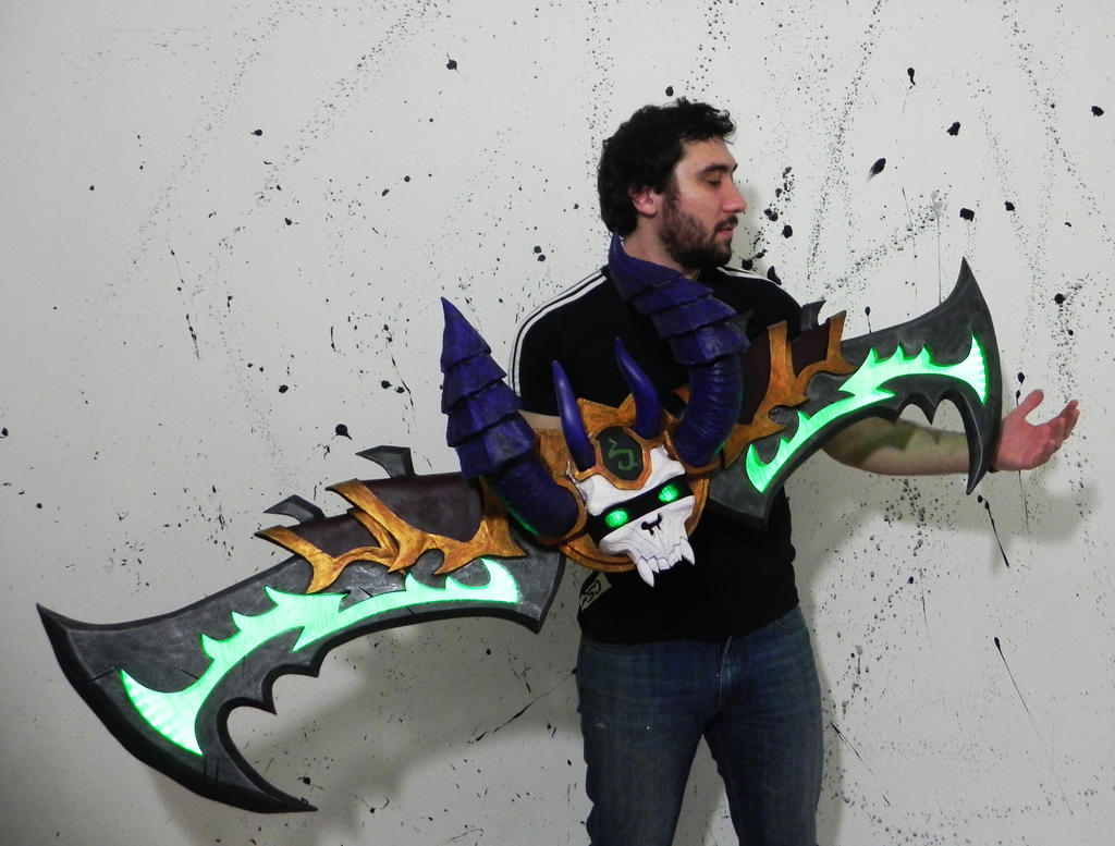 Demon hunter warglaives by TheGoblinFactory