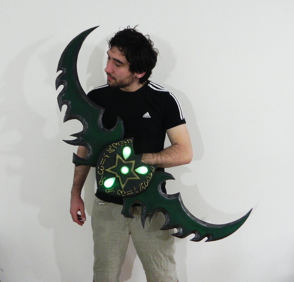 Warglaive of Azzinoth (World of Warcraft) by TheGoblinFactory
