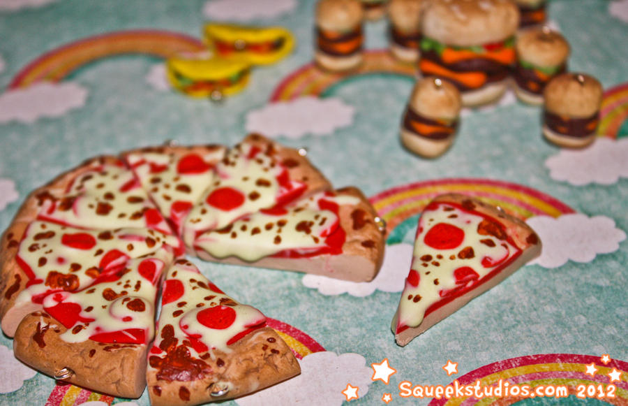 Hot Pepperoni Pizza Charms by squeekaboo