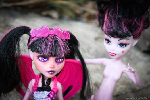 Tearful Draculaura: My first Monster High faceup