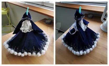 Dress is complete wooooo :D