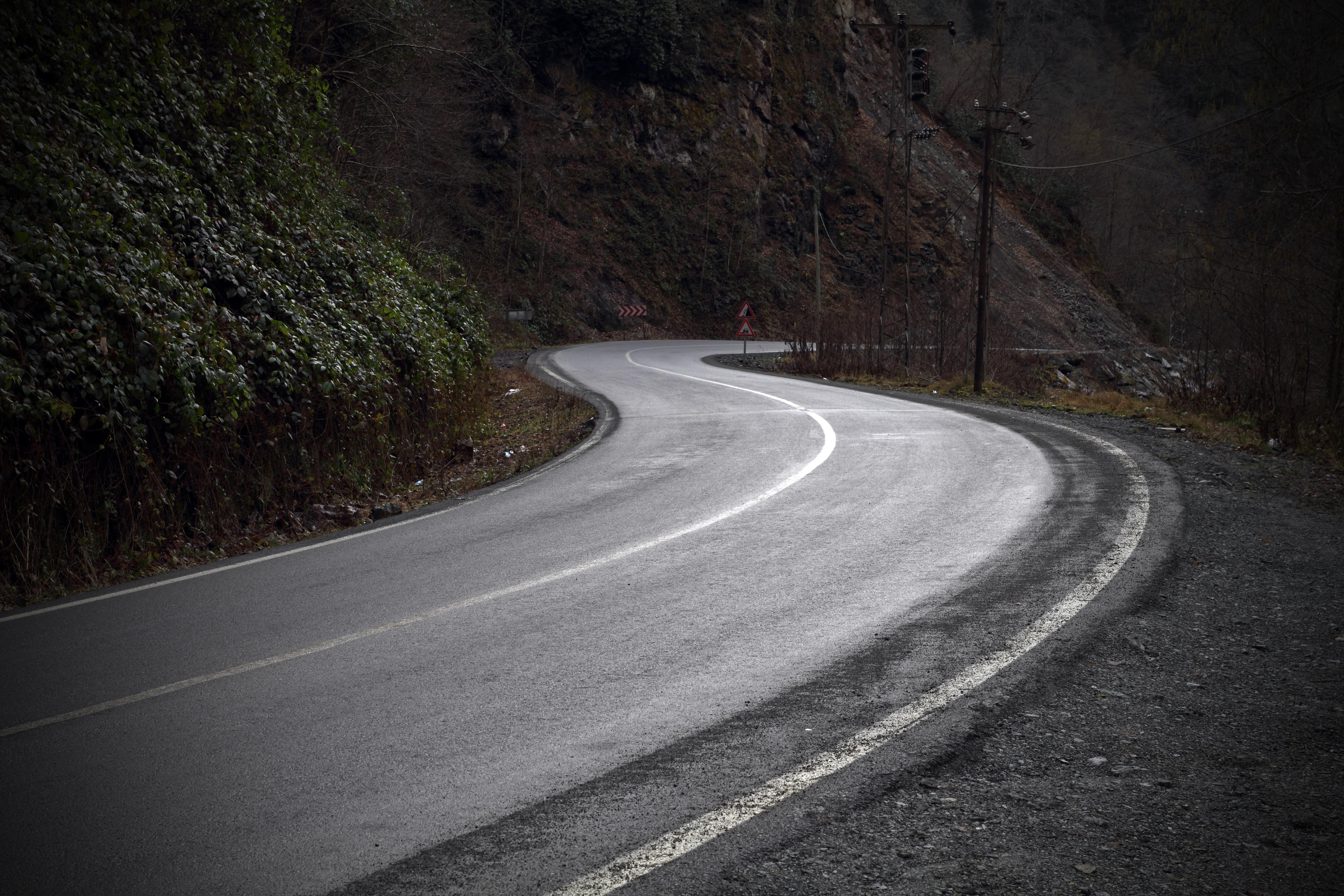 Dark, curved road by kkurdoglu on DeviantArt