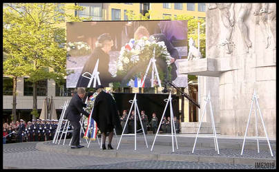 FLORAL CROSS LAY KILL MEMORIAL AMSTERDAM 2019 by IME54-ART