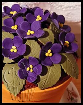 Flowerpot Cake close up by CakeUpStudio
