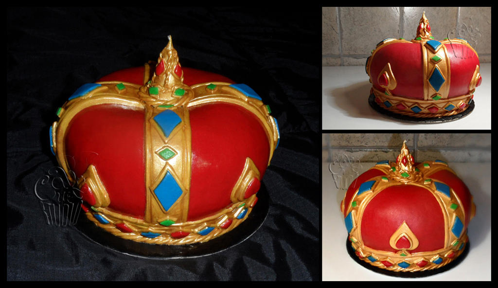 Crown Cake by CakeUpStudio