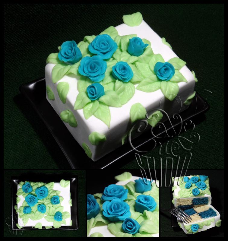Flowery Mini-Cake by CakeUpStudio