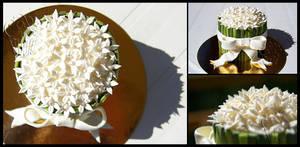 White Bouquet Mini-Cake