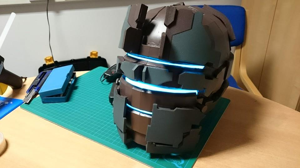 W.I.P - DeadSpace Helmet With lights by Dax79