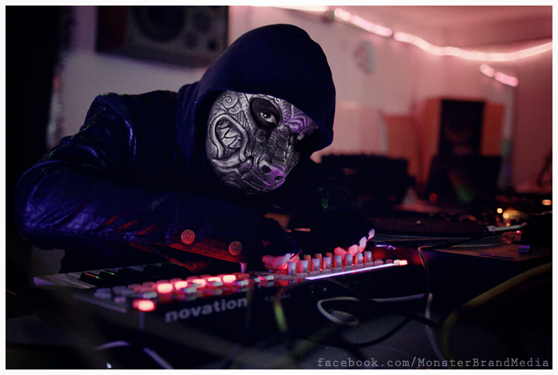Lunara Nox - Live Show by MonsterBrand