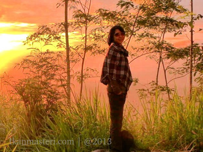 Lisa Febriyanti di Gunung Kelir
