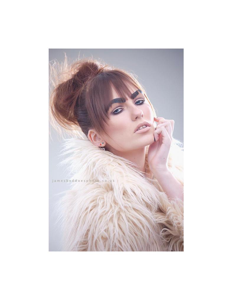 airy fashion set by Arielle-Fox