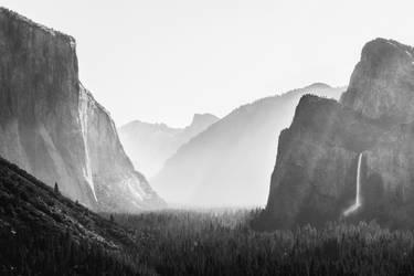 Yosemite Valley by alyciacreative