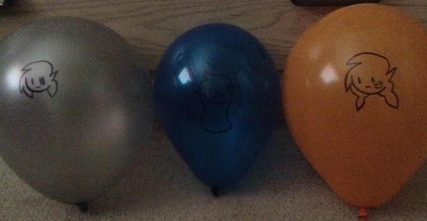 Ey a balloon family by 0froggydog0
