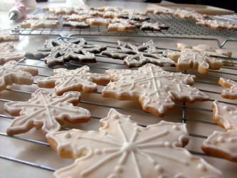 Snowflake cookies by Ialaluce