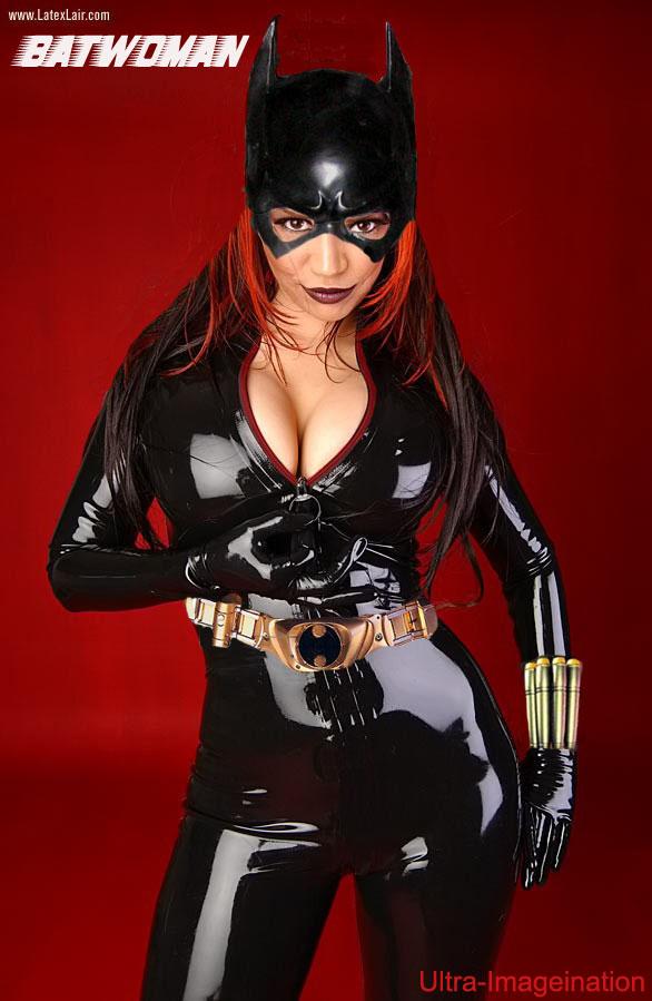 Znalezione obrazy dla zapytania batwoman hot