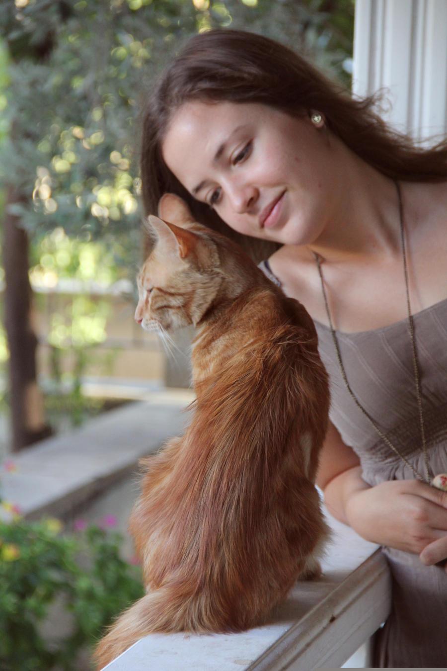 kitty love by yiimisekiz