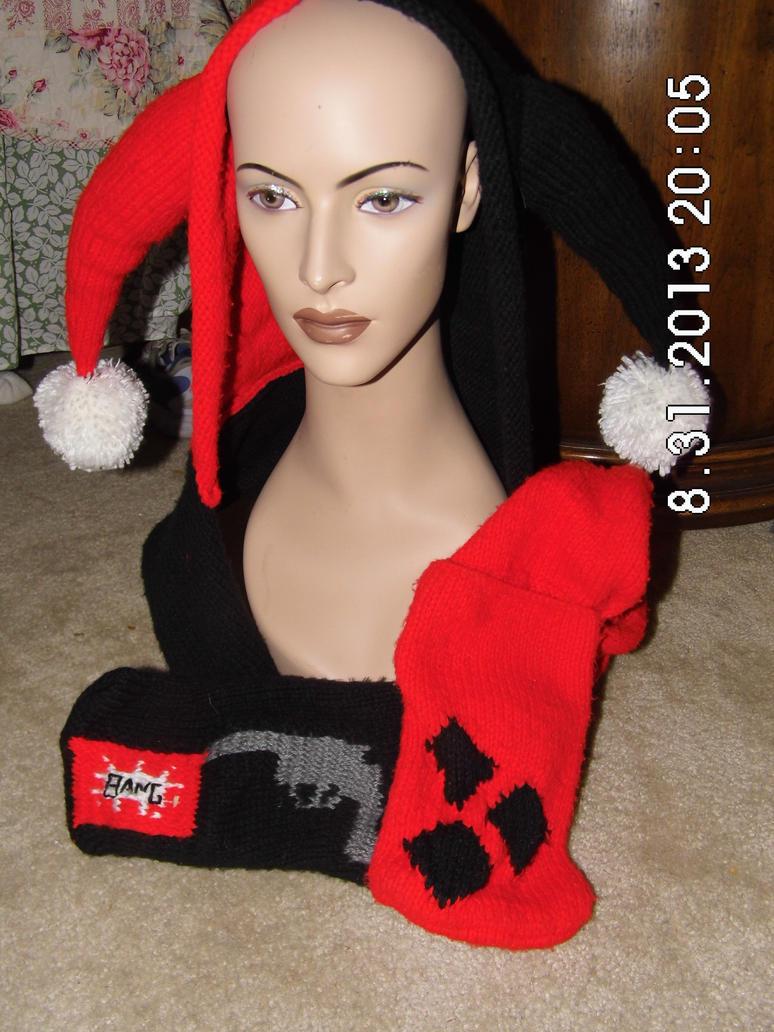 Harley Quinn Hooded Scarf 2 by beet17