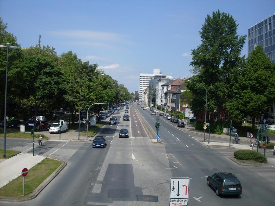 Street Essen by corvintaurus