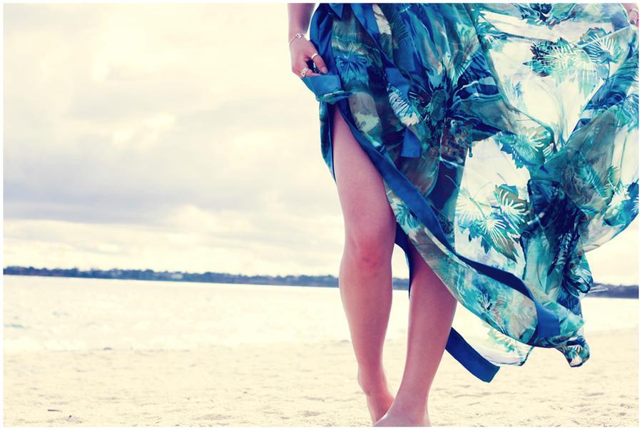 beach. by vmbui