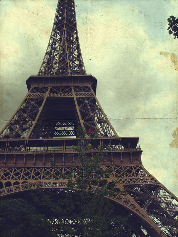 Eiffel Power by ingut