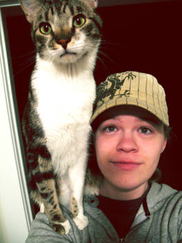 Shoulder Cat 1