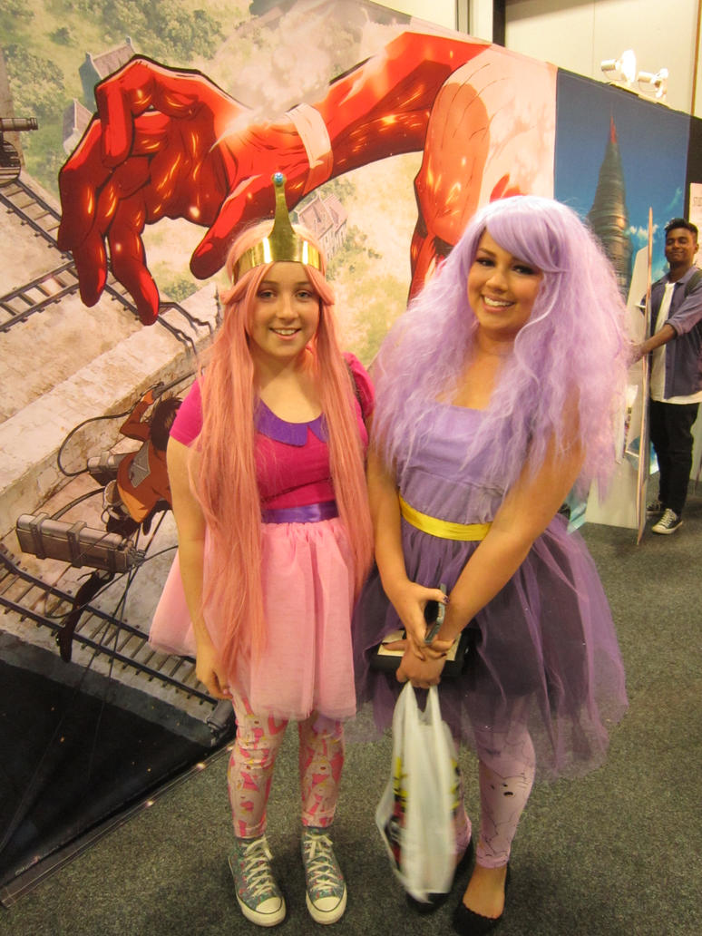 Cosplayers at Auckland Armageddon by arscarlet